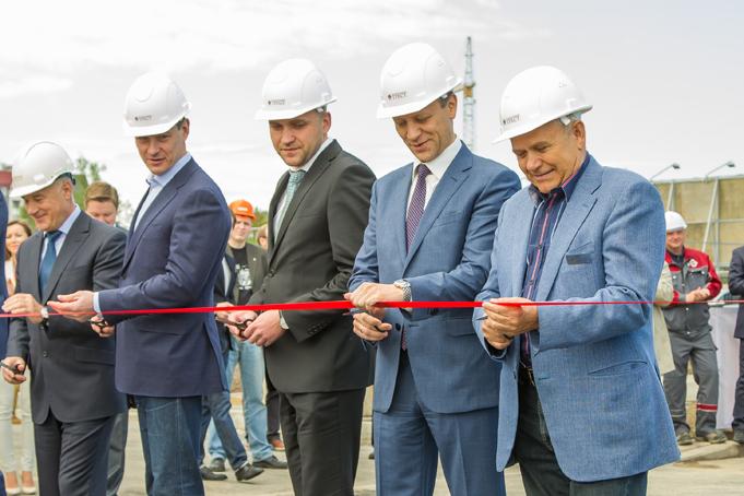 Торжественное завершение строительства первого этапа Питерского проспекта в пос. Новоселье фото 12