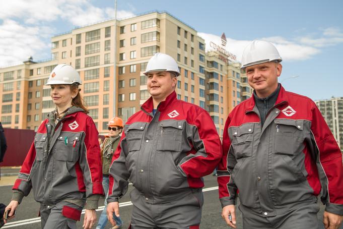Торжественное завершение строительства первого этапа Питерского проспекта в пос. Новоселье фото 32