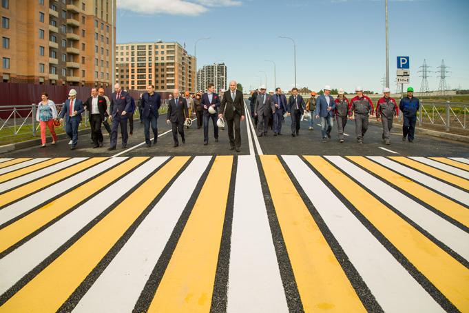 Торжественное завершение строительства первого этапа Питерского проспекта в пос. Новоселье фото 20