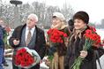 Возложение цветов к Пискаревскому мемориалу в годовщину снятия блокады Ленинграда, 27 января 2015 года фото 2